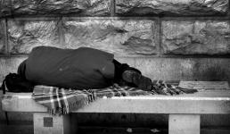 Nadchodzą najtrudniejsze tygodnie dla bezdomnych. Nie bądźmy obojętni