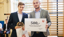 Radny ufundował 500 złotych dla najlepszego maturzysty w powiecie