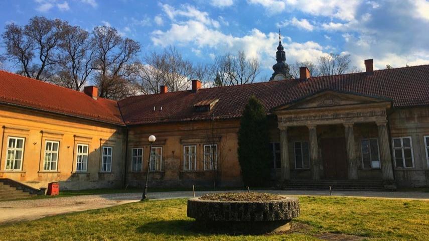 Sześć firm chce remontować andrychowski pałac