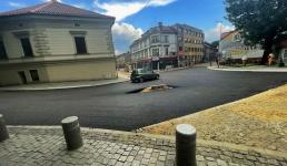 Leje się asfalt na Lwowskiej. Kierowcy odetchną na skrzyżowaniach